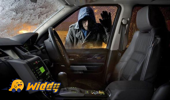 Cảnh báo chống trộm xe ô tô hoạt động ra sao? Cách tắt còi báo